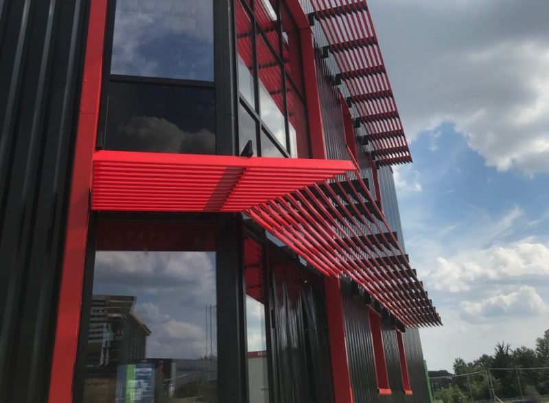 facade-vitree-vitrage-aluminium-chassis-fixe-sur-mesure-snalugo-cholet-france-realisations-fabricant-poseur-etudes-architecture-menuiserie-